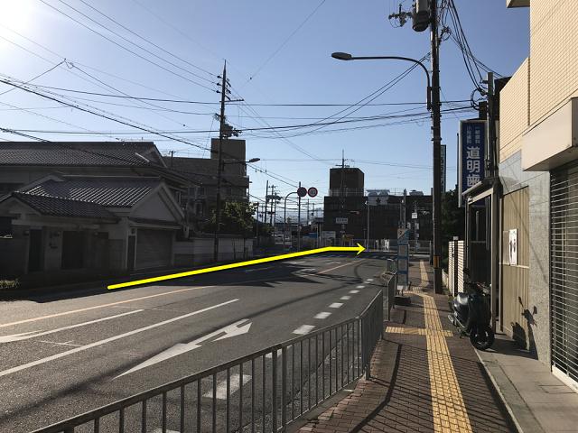 熊取駅東交差点